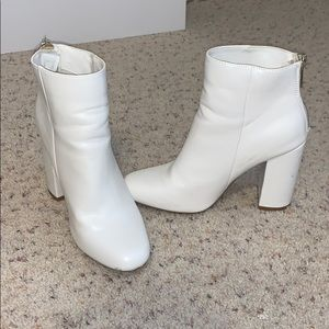 Shoe Dazzle White Heeled Booties